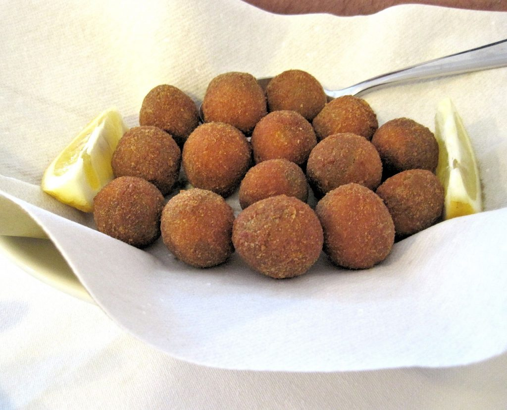 fried-stuffed-olives-674176_1280