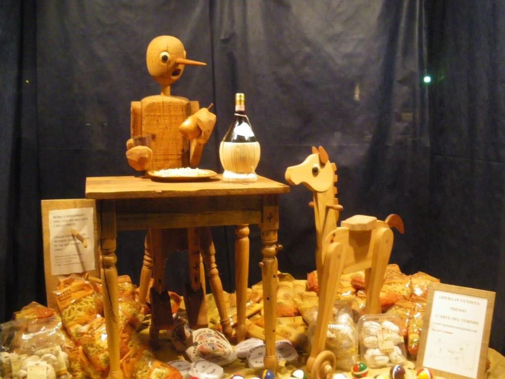ピノキオのレストラン©ぱんたれい